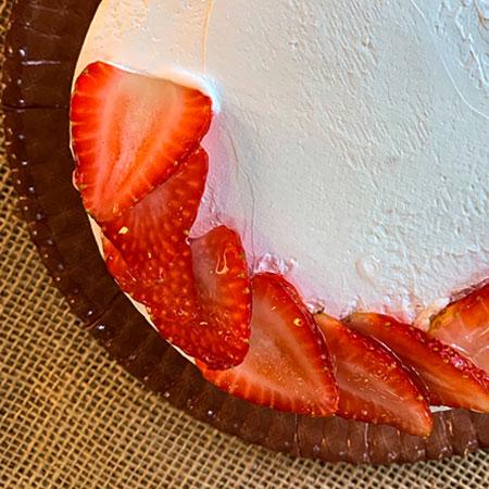 Torta Morango com Chantily